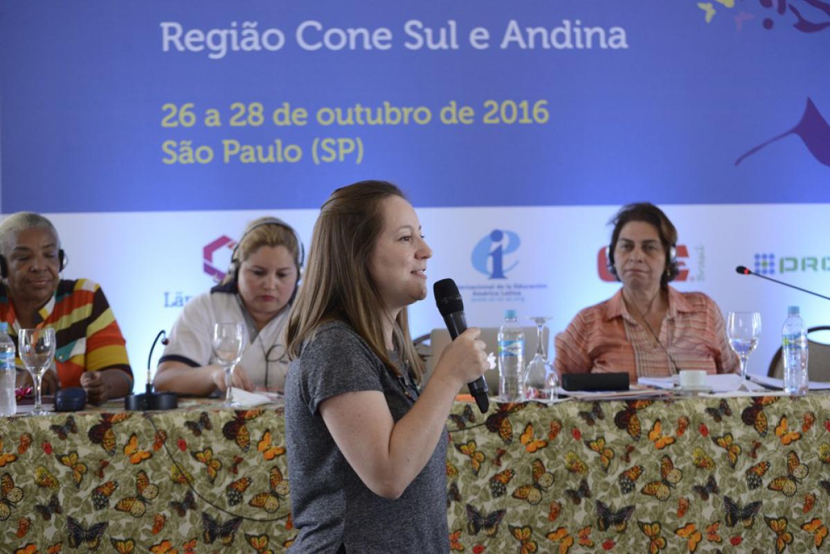 presidenta-do-sinpaaet-representa-contee-no-encontro-da-rede-de-mulheres-da-internacional-da-educacao-para-a-america-latina